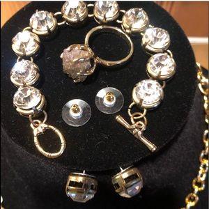 Jewelry - 🛑NWT🛑SUPER BLING LARGE DIAMOND CRYSTAL BRACELET